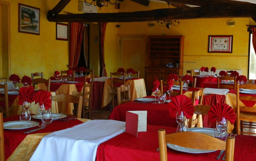 Location de vacances - Hôtel - Auberge à Vezac - SALLE DE RESTAURANT
