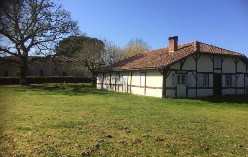 Location de vacances - Gîte à Lue - Bourricos : quartier de Pontenx, avec sa chapelle et ses maisons landaises