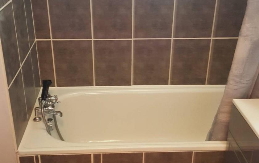 Location de vacances - Appartement à Saint-François-Longchamp - salle de bain refaite en juillet 2016