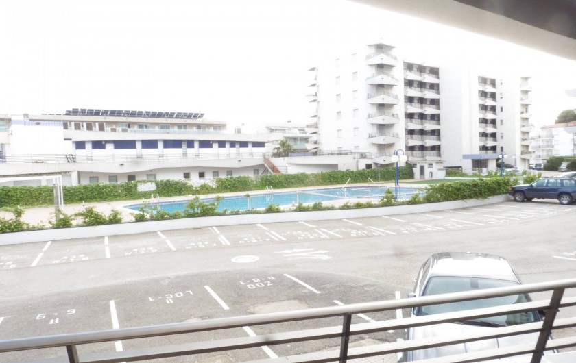 Location de vacances - Appartement à L'Estartit - Notre piscine  surveillé ,avec maître nageur  notre place de parking