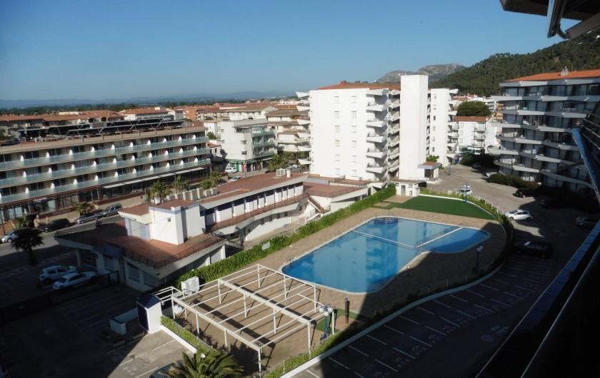 Location de vacances - Appartement à L'Estartit - la piscine vue du haut