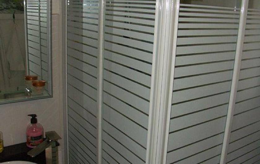 Location de vacances - Maison - Villa à Portiragnes - salle de douche et wc
