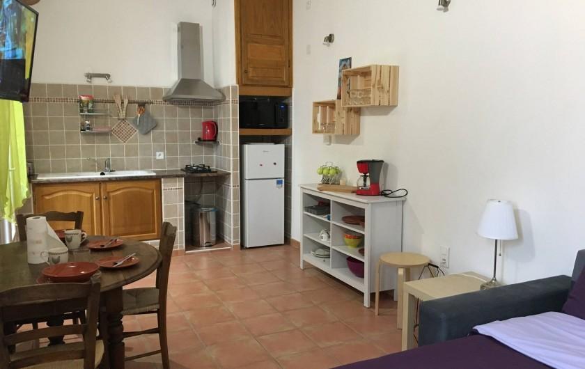 "Location de vacances - Gîte à Carpentras - Espace cuisine - studio ""La Véranda"""