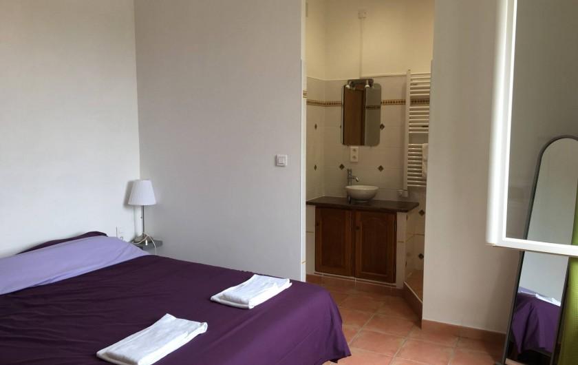 Location de vacances - Gîte à Carpentras - Chambre avec sdb