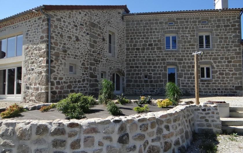 Location de vacances - Gîte à Monistrol-sur-Loire - terrasse coté  pour manger