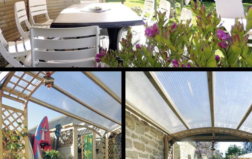 Location de vacances - Gîte à Saint-Jean-Trolimon - Pergola avec terrasse couverte et douche extérieure (eau chaude)