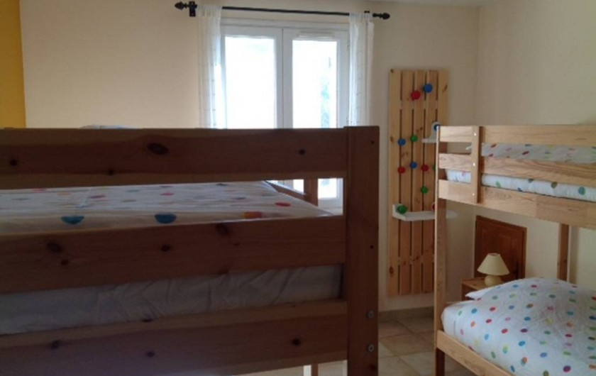 Location de vacances - Maison - Villa à Allemagne-en-Provence - chambre à coucher enfants
