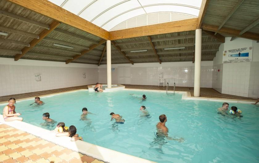 Location de vacances - Camping à La Tranche-sur-Mer - La Piscine chauffée couverte