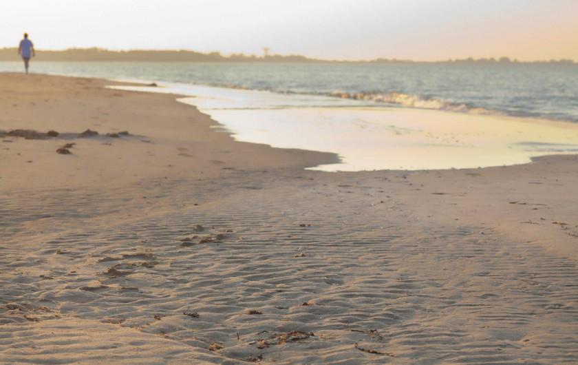 Location de vacances - Camping à La Tranche-sur-Mer - la plage à proximitée