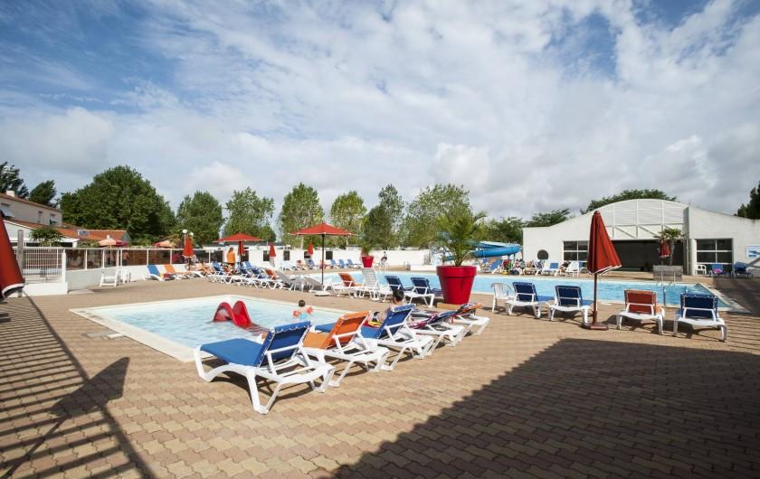 Location de vacances - Camping à La Tranche-sur-Mer - La Piscine Extérieure et la pataugeoire