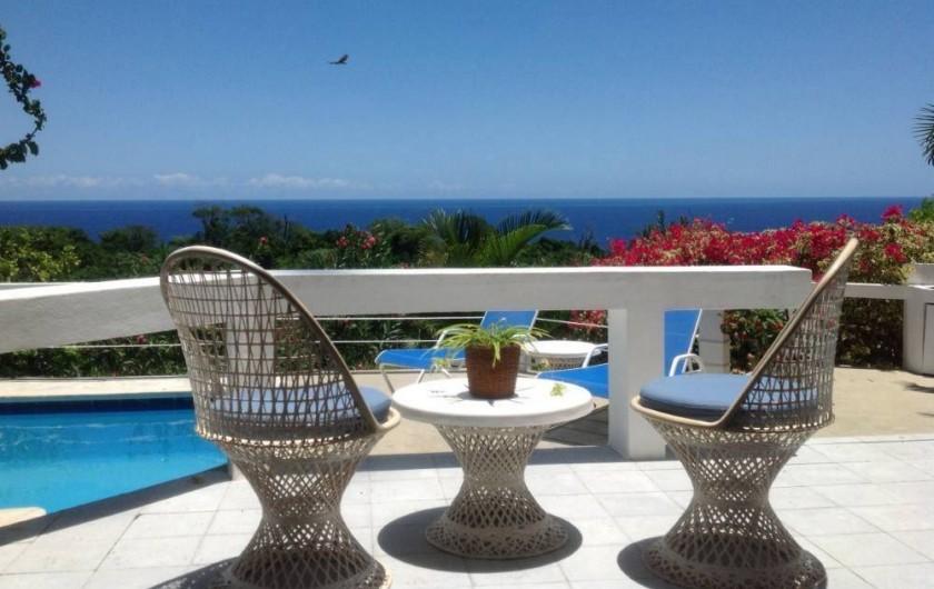 Location de vacances - Villa à Cabrera - Terrasse de la villa, vue sur la piscine et la mer