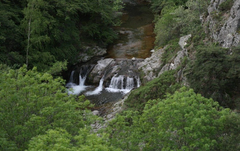 Location de vacances - Chambre d'hôtes à Meyrueis - Cascade des Oubrets