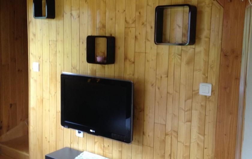 Location de vacances - Chambre d'hôtes à Poses - Coin salon avec télévision