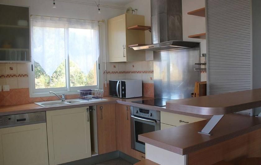 Location de vacances - Appartement à Porticcio - cuisine ouverte