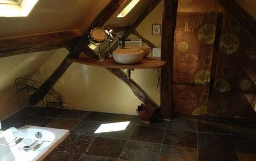 Location de vacances - Gîte à Auxerre - SALLE DE BAIN CHAMBRE PARENTALE