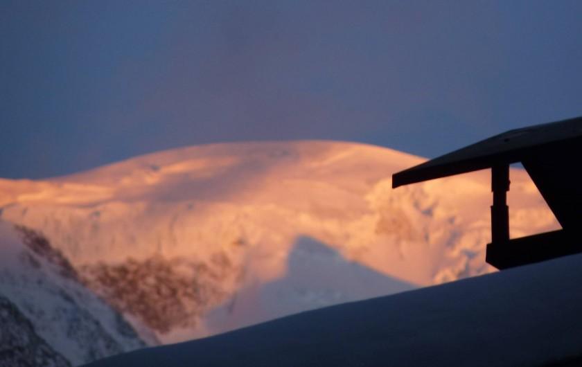 Location de vacances - Chalet à Saint-Gervais-les-Bains - Dome du Gouter  vu du balcon
