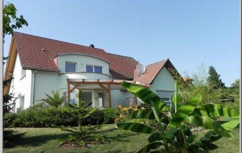 Location de vacances - Chambre d'hôtes à Saint-Pierre-Bois - Les érables côté jardin