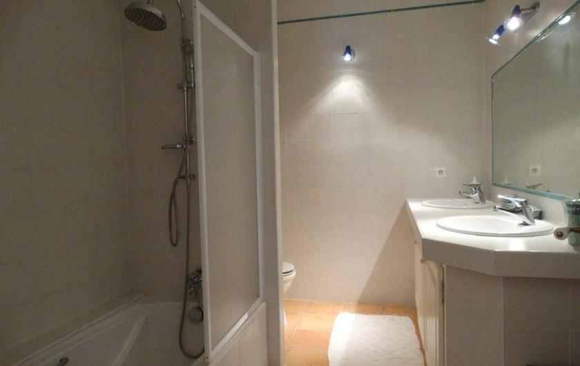 Location de vacances - Gîte à Montferrat - Salle-de-bain