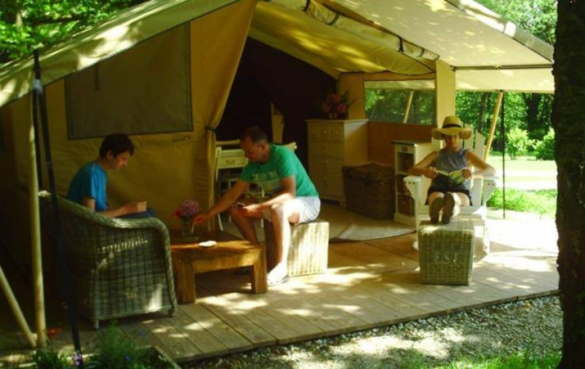 Location de vacances - Camping à Rochefort-en-Terre - Tente Cotton Lodge 4 pers