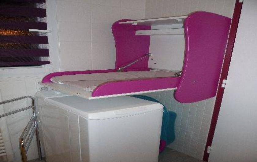 Location de vacances - Gîte à Port-Saint-Père - Table à langer et machine à laver