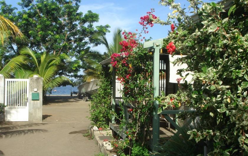 Location de vacances - Bungalow - Mobilhome à Le Carbet - Entrée Plage