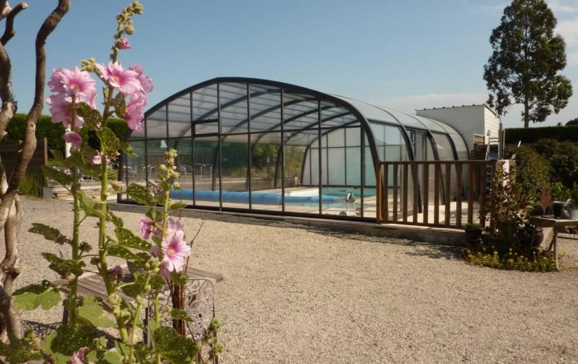 Location de vacances - Gîte à Cancale - Piscine couverte et chauffée accessible de mi-avril à fin octobre