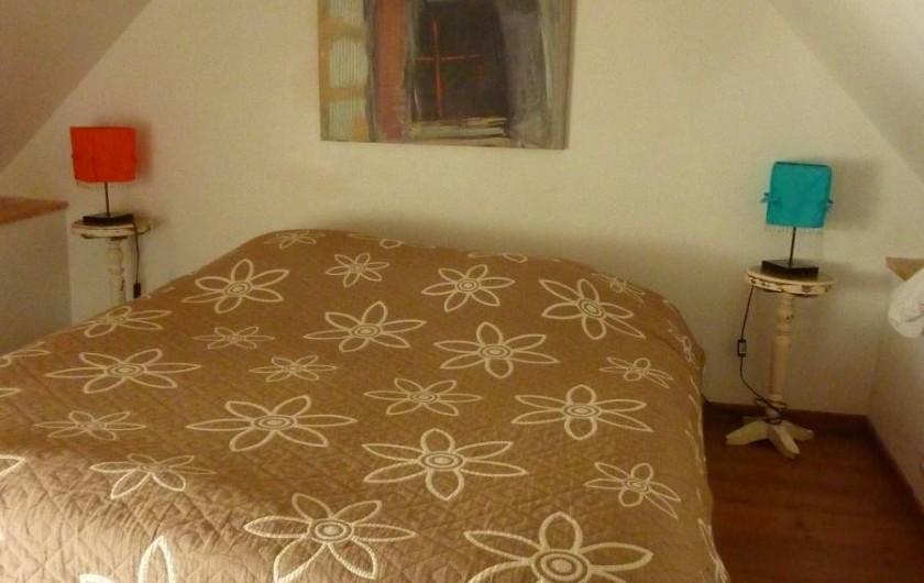Location de vacances - Gîte à Cancale - 2ème étage : Chambre  n° 2 en sous-pente avec lit 160x200