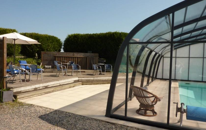 Location de vacances - Gîte à Cancale - Le coin solarium côté piscine  A partager avec nos autres hôtes