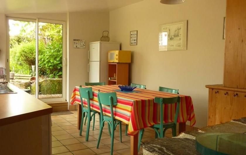 Location de vacances - Gîte à Cancale - Cuisine / salle à manger spacieuse et lumineuse