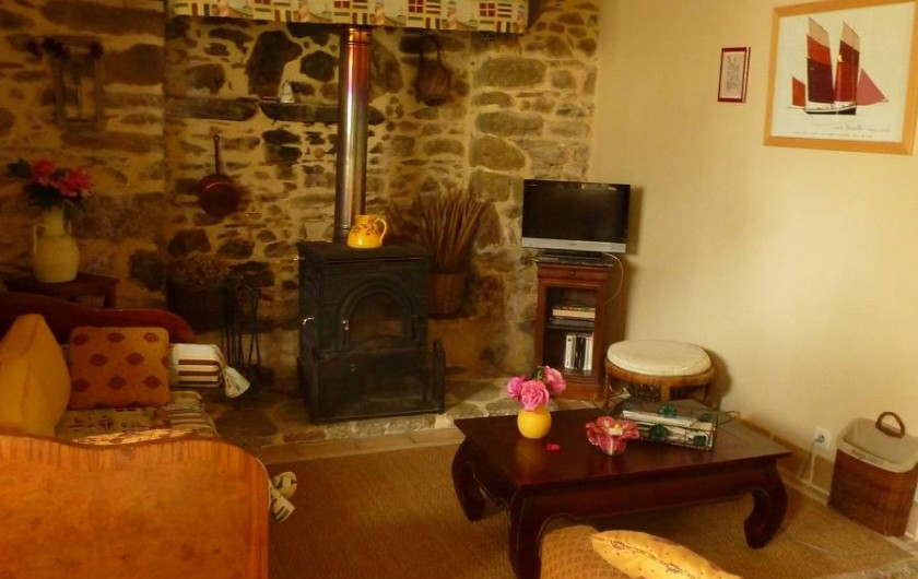 Location de vacances - Gîte à Cancale - Un poêle à bois pour les soirées cocooning en hiver