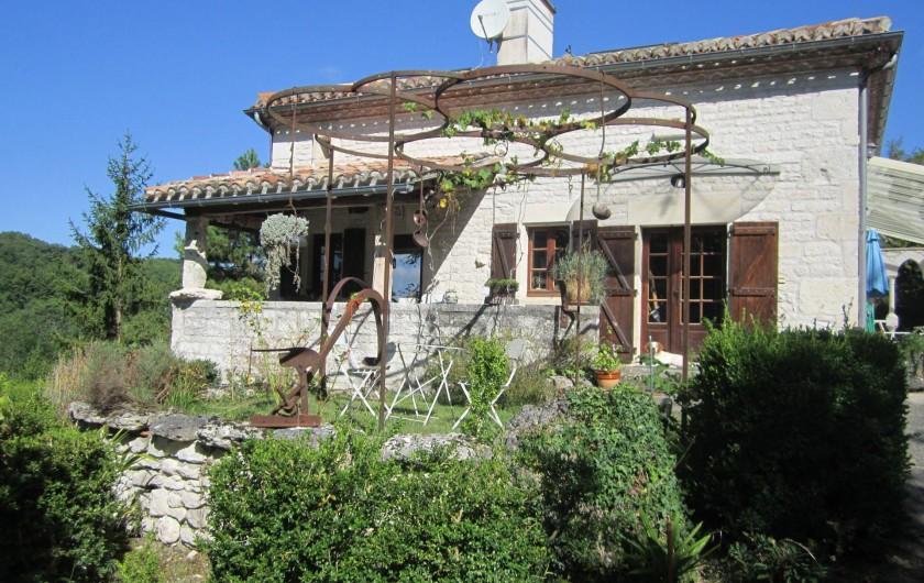Location de vacances - Gîte à Valprionde - La façade du gîte avec son bolet traditionnel