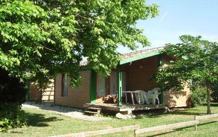 Location de vacances - Chalet à Montricoux - jardin, terrasse, transat, barbecue