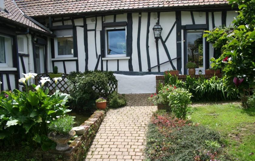 """Location de vacances - Chambre d'hôtes à Ochancourt - fermette """"la Hugotine"""""""