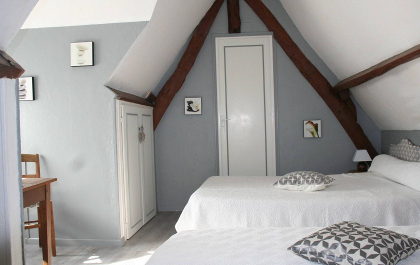 """Location de vacances - Chambre d'hôtes à Ochancourt - chambres  """" les galets""""   lit double   et"""