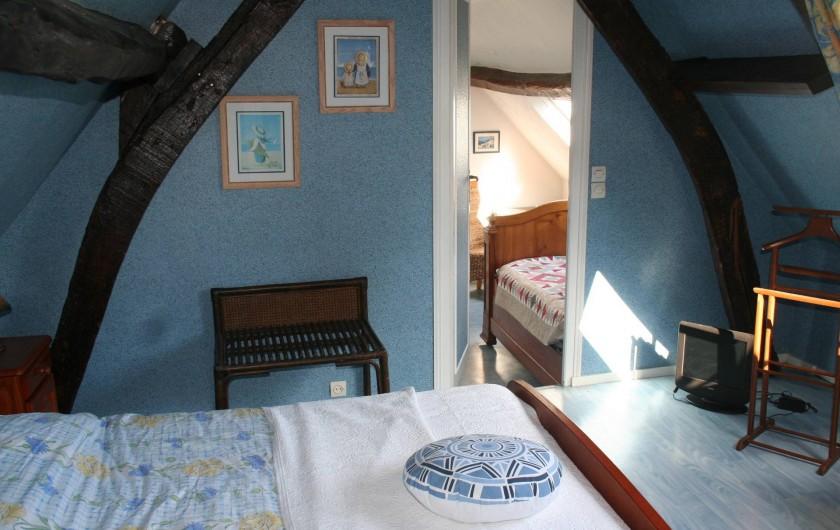 """Location de vacances - Chambre d'hôtes à Ochancourt - chambre """" la grande bleu"""" suite familiale"""
