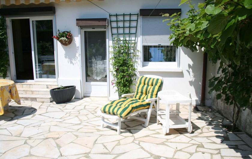 Location de vacances - Chambre d'hôtes à Ochancourt - détente dans le jardin