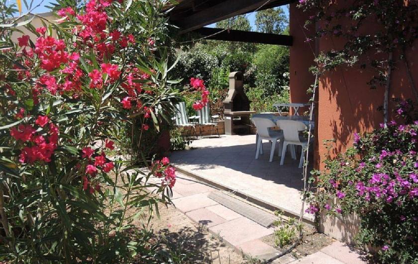 Location de vacances - Maison - Villa à Badesi - Terrasse et jardin