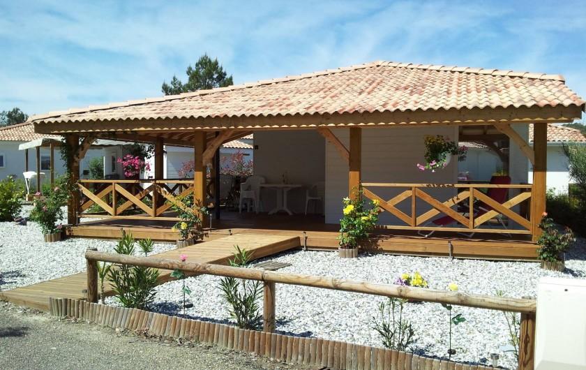 Location de vacances - Chalet à Lit-et-Mixe - chalet de face
