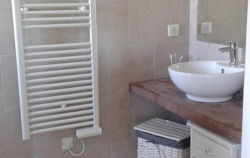 Location de vacances - Villa à Sainte-Lucie de Porto-Vecchio - Une des salle de bain