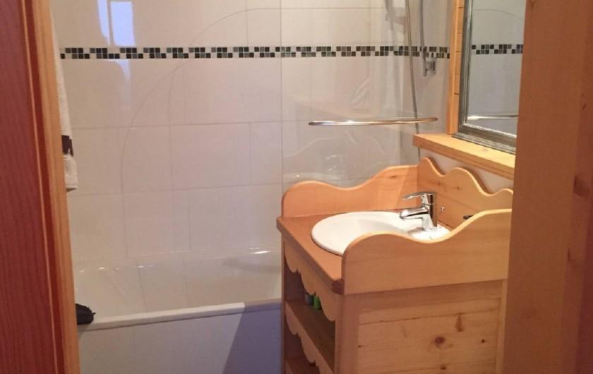 Location de vacances - Appartement à Ormont-Dessus - Salle de bains en suite chambre 1