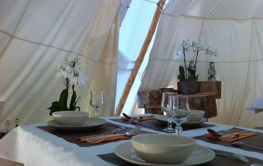 """Location de vacances - Tipi à Mont-Saxonnex - Repas traditionnel sous notre restaurant """"Odina Tipi"""""""