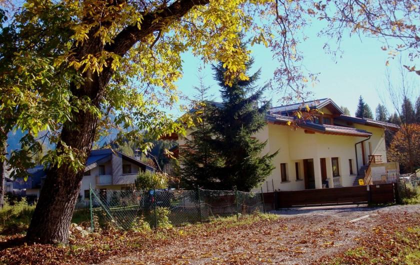 Location de vacances - Appartement à Pozzale - la maison en autumne
