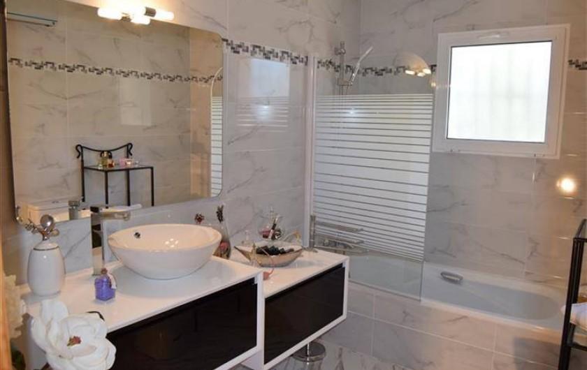 Location de vacances - Villa à Gandia - salle de bain 1ere etage
