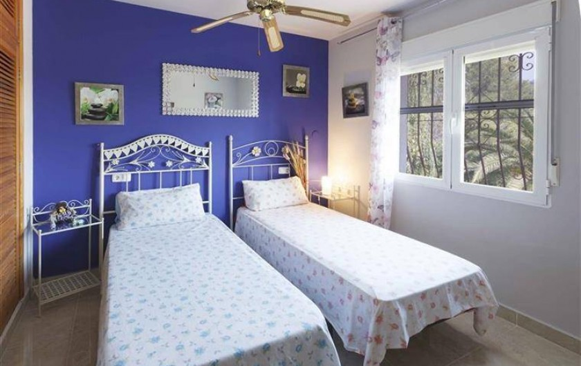 Location de vacances - Villa à Gandia - chambre double junior 2 lits 1ere étage