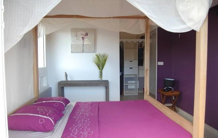 Location de vacances - Villa à Le Robert - La chambre 1 avec sa salle de bain attenante