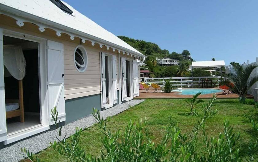 Location de vacances - Villa à Le Robert - Les chambres avec un accès direct au jardin