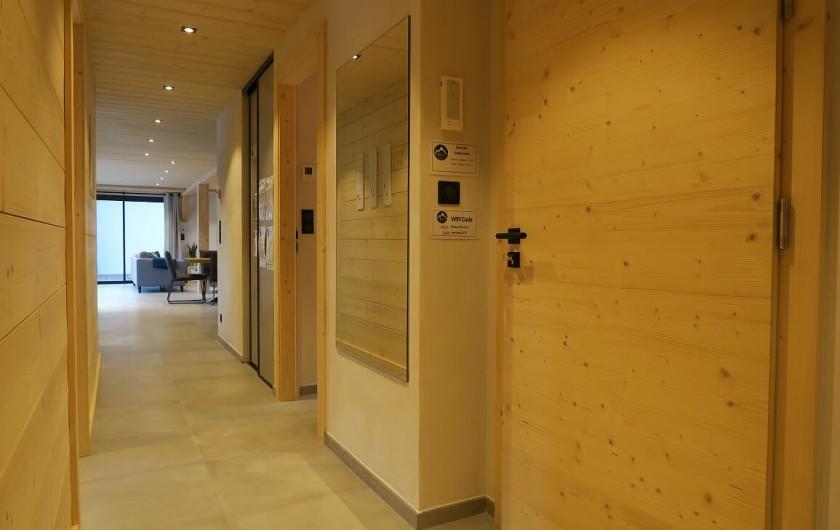 Location de vacances - Appartement à Les Gets - Couloir