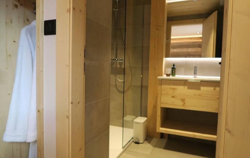 Location de vacances - Appartement à Les Gets - Salle de douche - Chambre 4