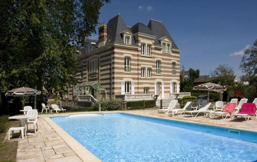 Location de vacances - Appartement à Cabourg - Piscine Côté Casino