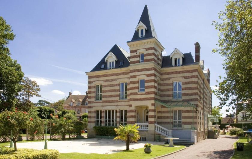 Location de vacances - Appartement à Cabourg - Façade Avant Côté Casino